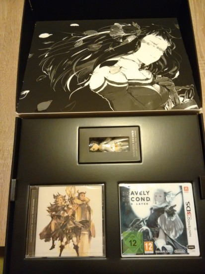 Bravely Second Deluxe Collectors Edition 2 unboxing