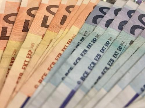 Czemu gry i konsole są drogie - Euro, waluta, ceny