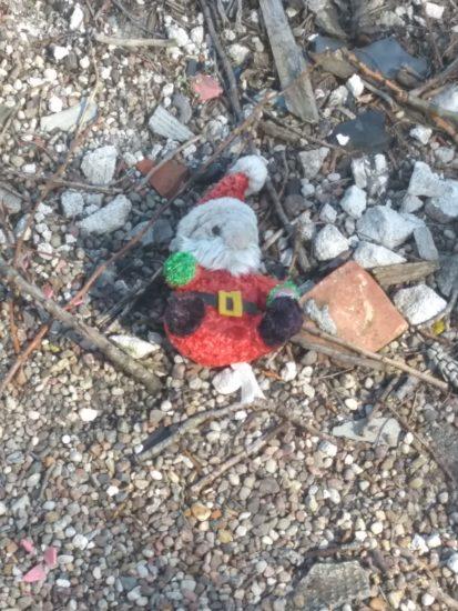 Wiskord Święty mikołaj zabawka porzucona