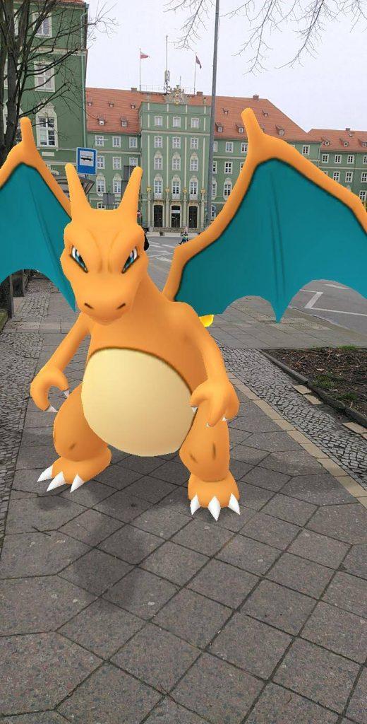 Pokemon GO charizard foto AR