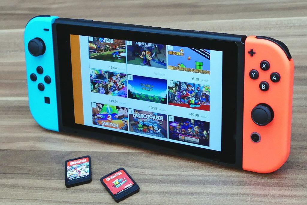 New Nintendo Switch - old Switch photo