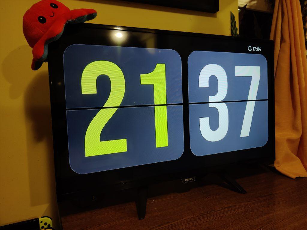 2137 AAA Clock